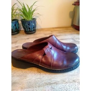 Clarks Women's Brown Leather Clogs Size 9M